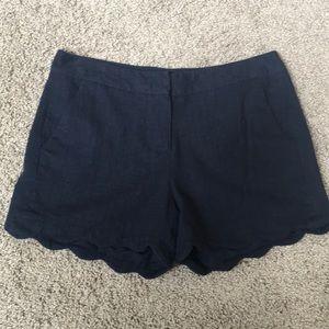 Scallop edge linen shorts